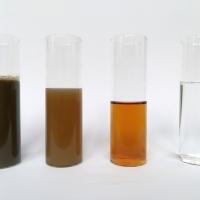 WEHRLE очистка навозных стоков и дигестата: Рисунок  2: Изменение дигестата после различных стадий очистки (декантер, Мембранный биореактор, обратный осмос)