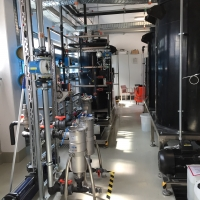 Tratamiento de aguas residuales procedentes de la producción de cremas