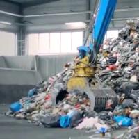 Verwertung von Abfällen und Reststoffen in kleinenWaste to Energy-Anlagen zur dezentralen Strom-, Wärme-und Kälteerzeugung